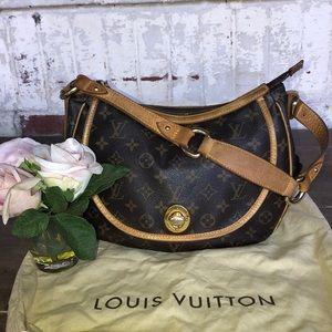 Louis VuittonCroissant Tulum Flap.💓💙